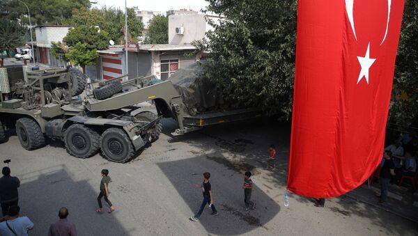 La técnica militar turca en la frontera con Siria - Sputnik Mundo