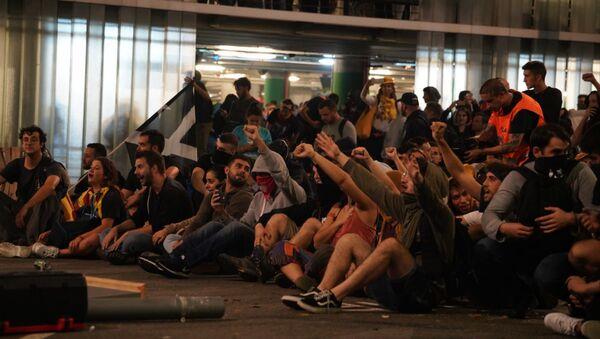 La situación en el Aeropuerto de Barcelona - Sputnik Mundo