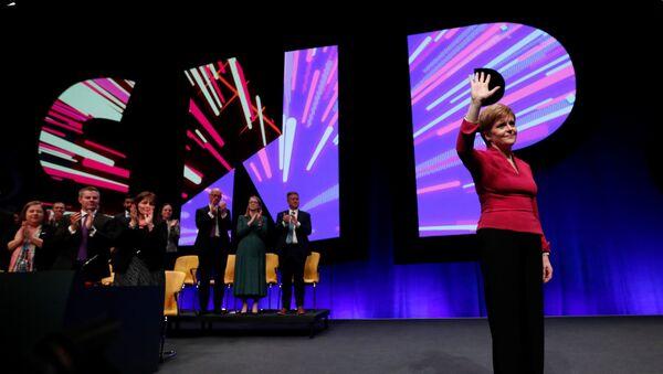 Nicola Sturgeon, la ministra principal y líder del Partido Nacional Escocés - Sputnik Mundo