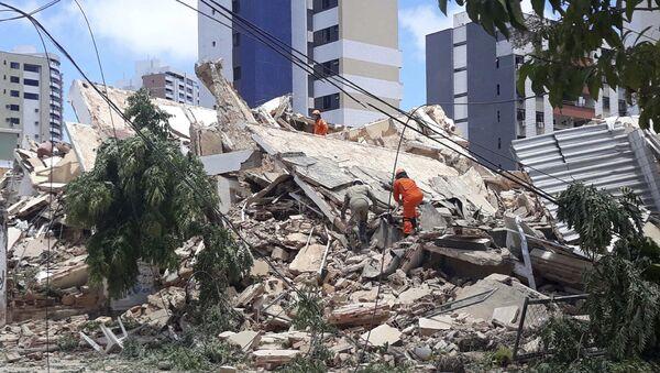 Derrumbe de un edificio de siete pisos en la ciudad brasileña de Fortaleza - Sputnik Mundo