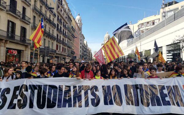 Protesta estudiantil en Barcelona - Sputnik Mundo