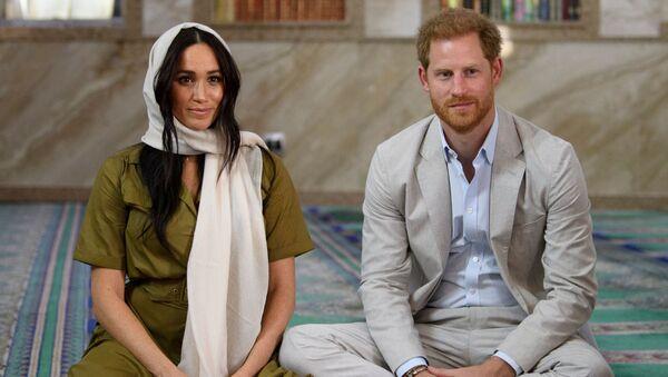 La duquesa y el duque de Sussex, Meghan Markle y el príncipe Enrique en Sudáfrica - Sputnik Mundo