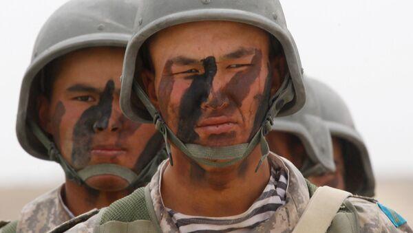 Militares de Kazajistán (archivo) - Sputnik Mundo