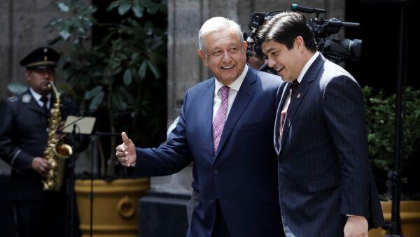 El presidente de México, Andrés Manuel López Obrador, con su homólogo de Costa Rica, Carlos Alvarado Quesada - Sputnik Mundo