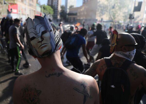 Manifestaciones en Chile: más de diez muertes y cientos de heridos - Sputnik Mundo