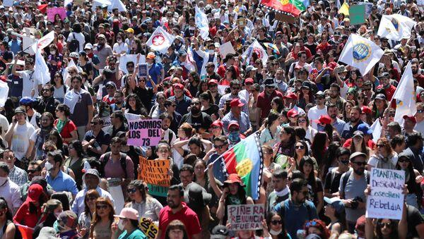Protestas en Chile - Sputnik Mundo