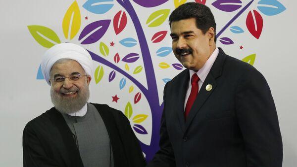 El presidente de Irán, Hasán Rouhaní junto al presidente de Venezuela, Nicolás Maduro - Sputnik Mundo