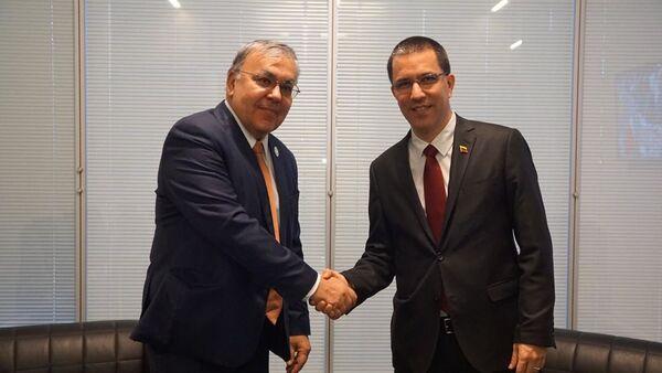 El vicecanciller de Rusia, Serguéi Vershinin, y el canciller de Venezuela, Jorge Arreaza  - Sputnik Mundo