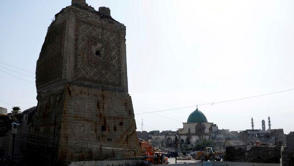 La mezquita al-Nouri en Mosul, Irak, donde Abu Bakr Bagdadi proclamó un califato islámico - Sputnik Mundo