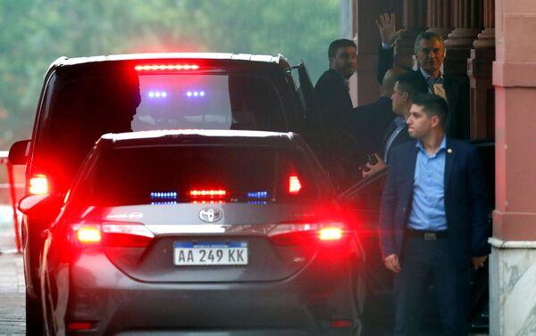 El presidente saliente de Argentina, Mauricio Macri, recibe al presidente electo, Alberto Fernández - Sputnik Mundo