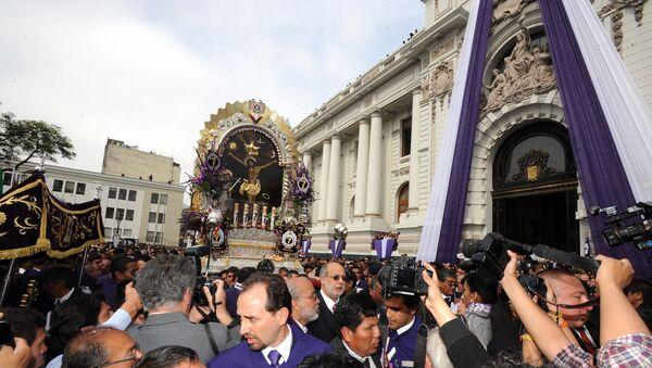 La procesión del Señor de los Milagros en Lima, Perú (archivo) - Sputnik Mundo