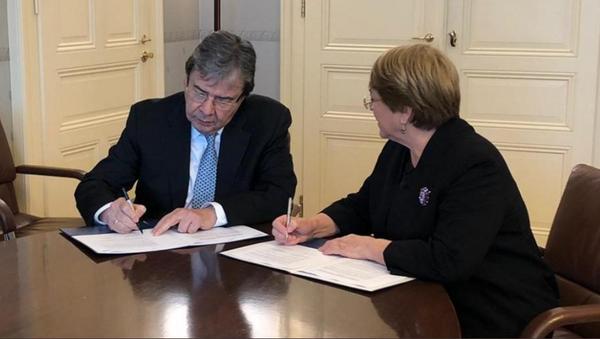 El canciller de Colombia, Carlos Holmes Trujillo y la alta Comisionada de la ONU para DDHH, Michelle Bachelet - Sputnik Mundo