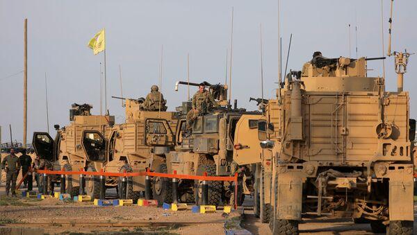 Vehículos militares de EEUU en Siria - Sputnik Mundo