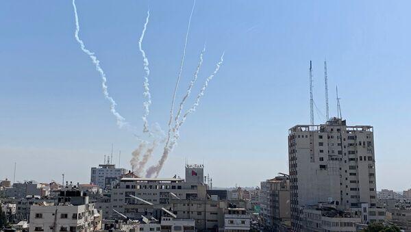 Lanzamientos de cohetes desde Gaza hacia Israel - Sputnik Mundo