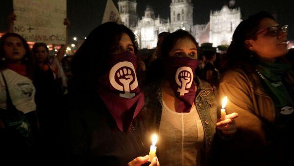 Protestas contra femicidios y la violencia de género en México - Sputnik Mundo