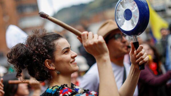 Cacerolazo en Colombia (archivo) - Sputnik Mundo
