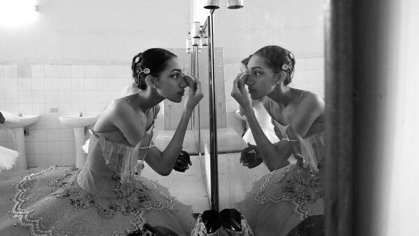 Las bailarinas cubanas a través de los ojos de una artista rusa - Sputnik Mundo