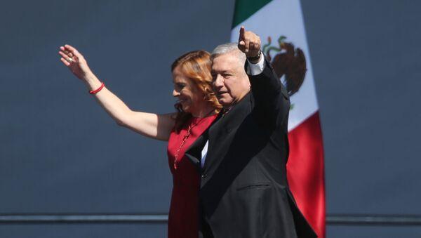 Andrés Manuel López Obrador, presidente mexicano, y su esposa, Beatriz - Sputnik Mundo