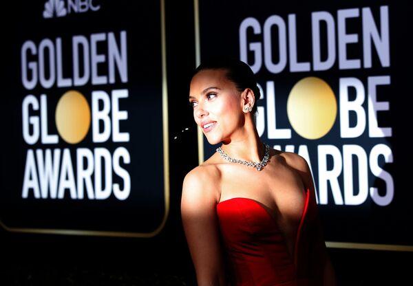 Celebridades del mundo se lucen en la alfombra roja de los Globos de Oro - Sputnik Mundo