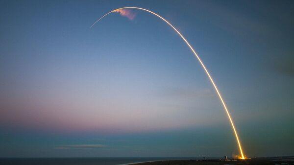 Lanzamiento de satélite (imagen referencial) - Sputnik Mundo
