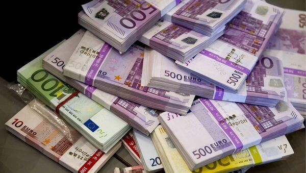 Billetes de euro - Sputnik Mundo