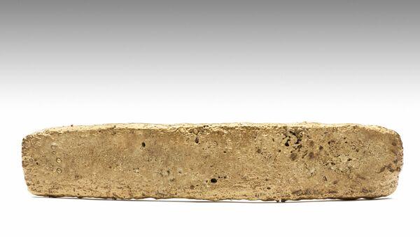 Un lingote de oro azteca (archivo) - Sputnik Mundo