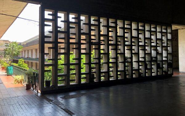 Todas las galerías cuentan con una gran entrada de luz con diferentes ornamentos en hormigón - Sputnik Mundo