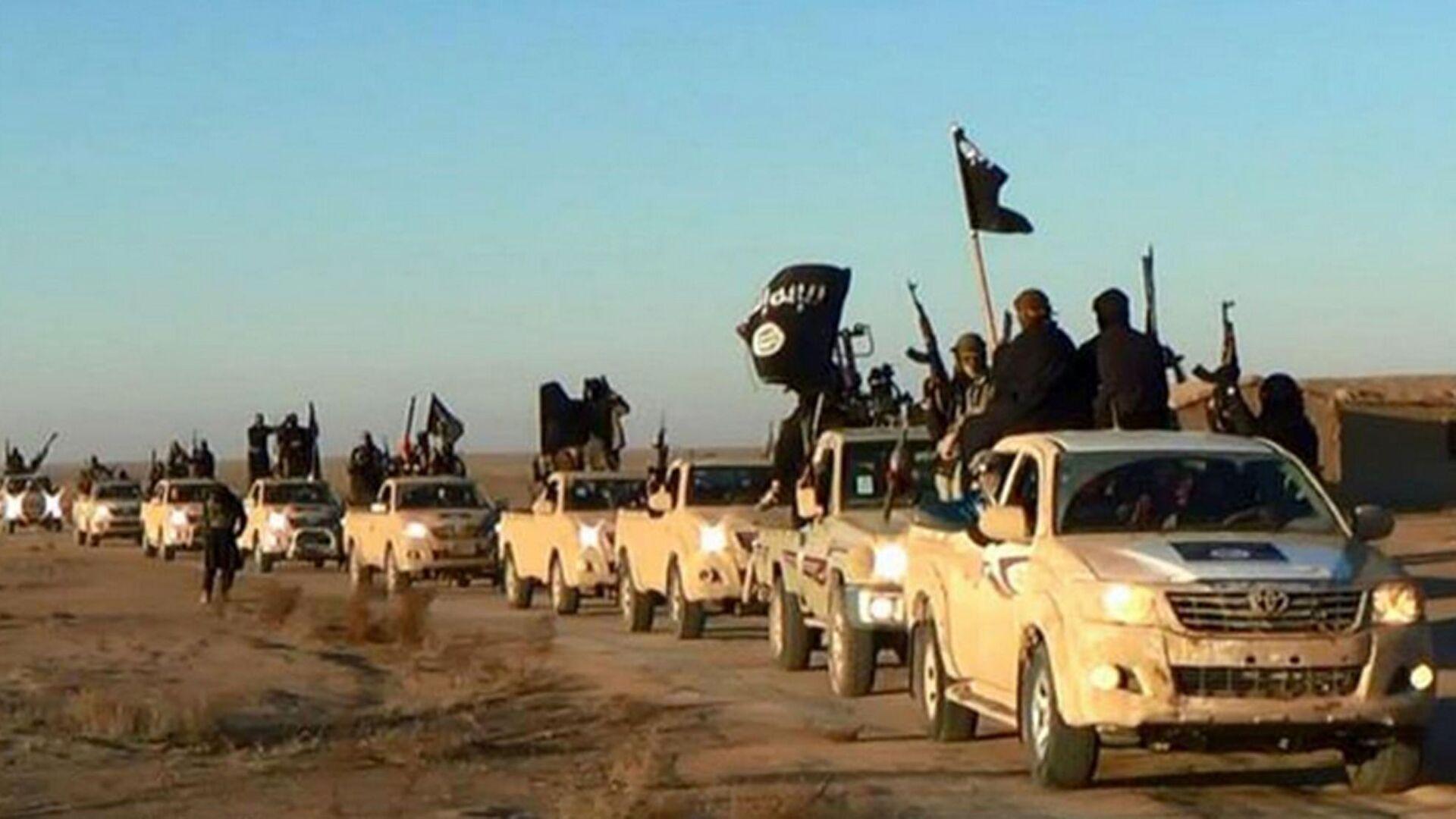 Los terroristas del Estado Islámico  - Sputnik Mundo, 1920, 04.03.2021