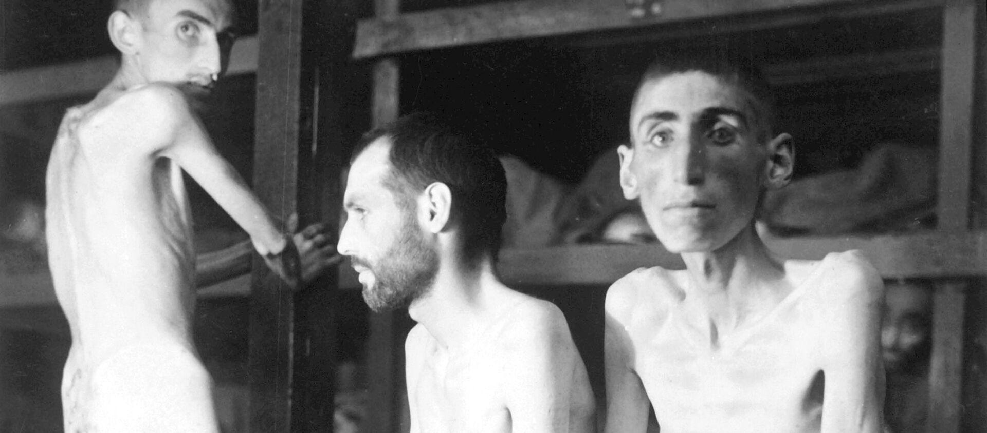 Prisioneros en un campo de concentración nazi - Sputnik Mundo, 1920, 23.01.2020