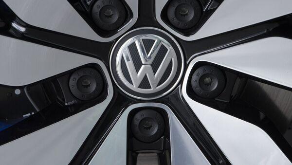 El logo de Volkswagen - Sputnik Mundo