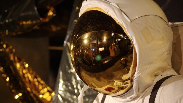 Un traje espacial, imagen referencial - Sputnik Mundo