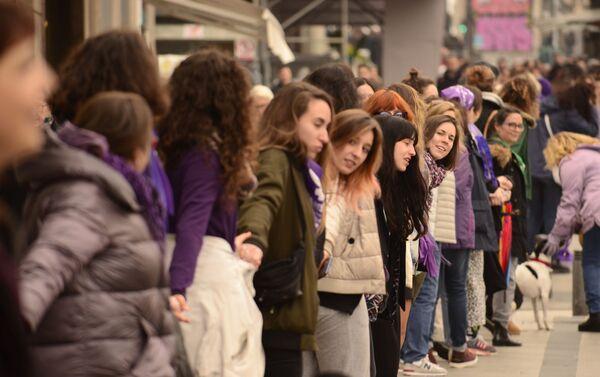 La huelga feminista del Día de la Mujer en España - Sputnik Mundo