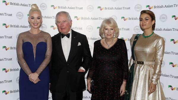 La cantante Katy Perry, el príncipe Carlos, su esposa Camila, la duquesa de Cornwall y Natasha Poonawalla, empresaria de la India - Sputnik Mundo