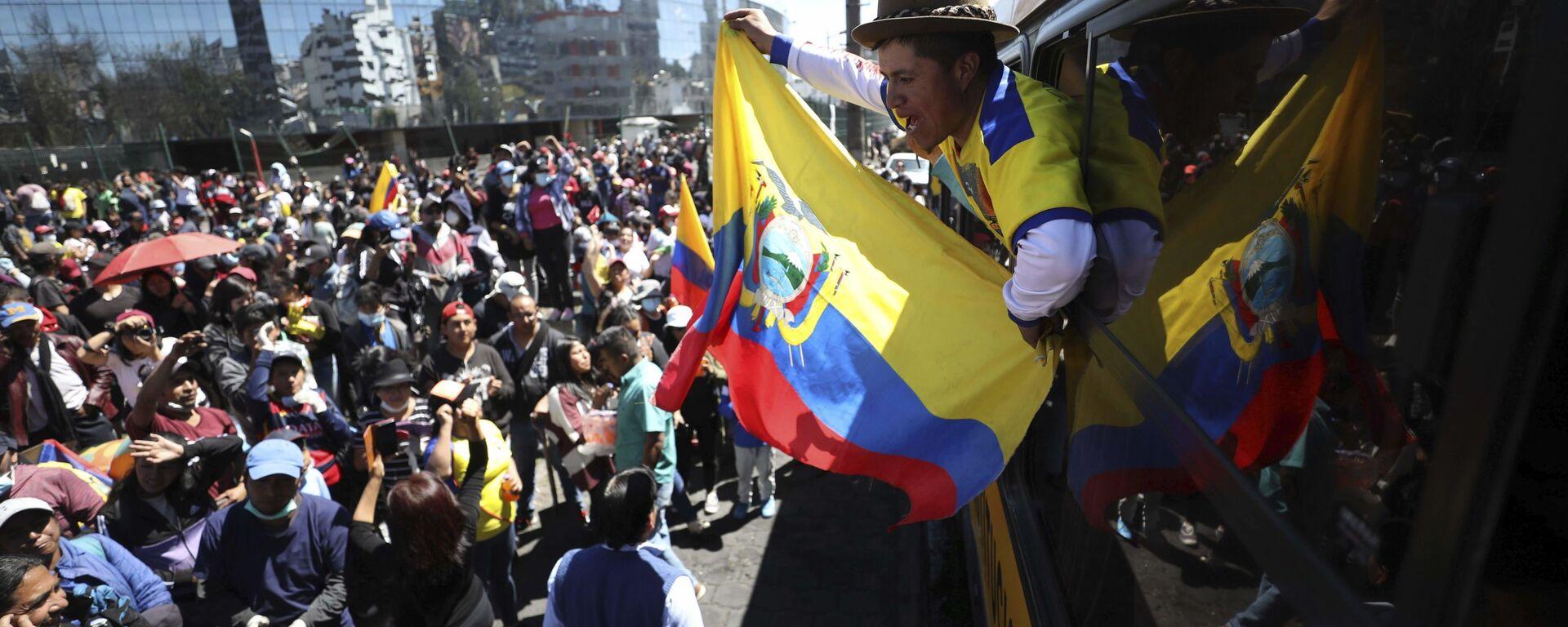 Indígenas ecuatorianos protestas durante la crisis política de octubre de 2019 en Ecuador - Sputnik Mundo, 1920, 06.10.2021