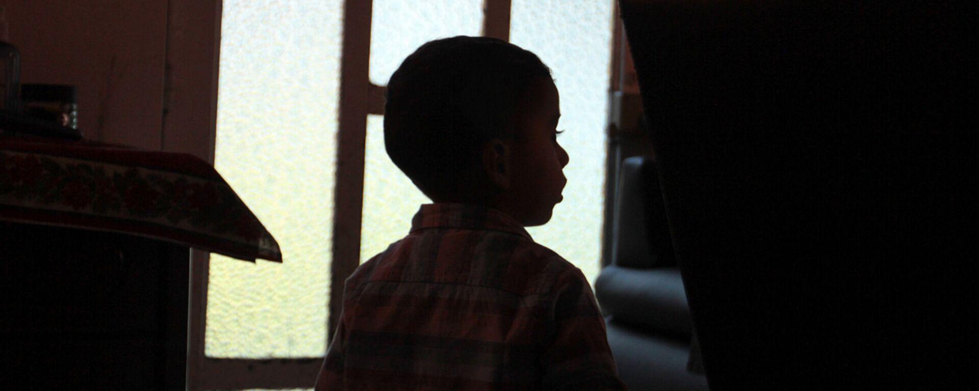 Rodrigo, quien quedó al cuidado de sus abuelos, luego de que su padre, asesinará a  Verónica Guadalupe, madre del menor - Sputnik Mundo, 1920, 05.10.2021