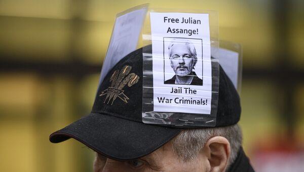 Una manifestación en apoyo a Julian Assange - Sputnik Mundo