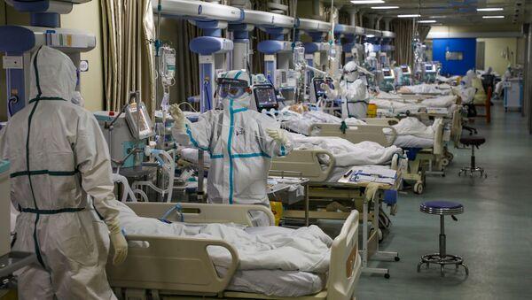 Un hospital para enfermos con el coronavirus en Wuhan - Sputnik Mundo