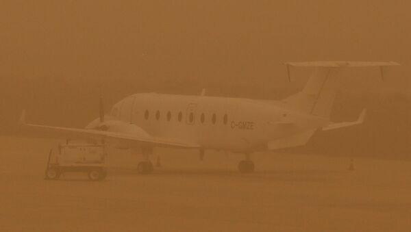 Tormenta de arena en el aeropuerto de Las Palmas de Gran Canaria - Sputnik Mundo