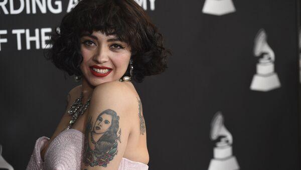 La cantante chilena Mon Laferte - Sputnik Mundo