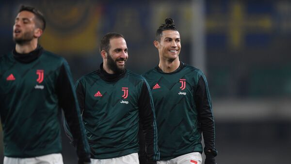 Gonzalo Higuaín y Cristiano Ronaldo, jugadores de la Juventus - Sputnik Mundo
