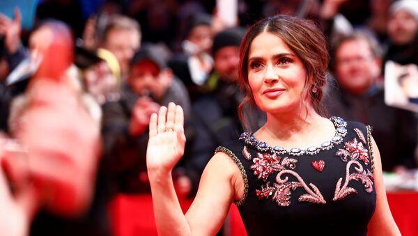 La actriz mexicana Salma Hayek - Sputnik Mundo