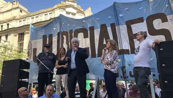 Julio Piumato, histórico dirigente de la Unión de Empleados de la Justicia de la Nación (UEJN), criticó el proyecto de ley. - Sputnik Mundo