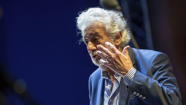 Plácido Domingo, cantante de ópera español - Sputnik Mundo