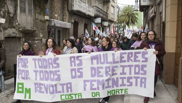 Manifestación del 8 de marzo en Cee (A Coruña) - Sputnik Mundo