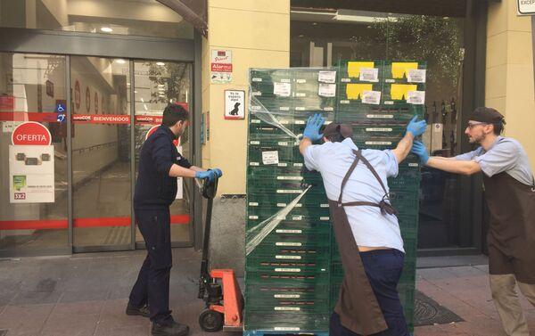 Reposición mercancía supermercado en Madrid  - Sputnik Mundo