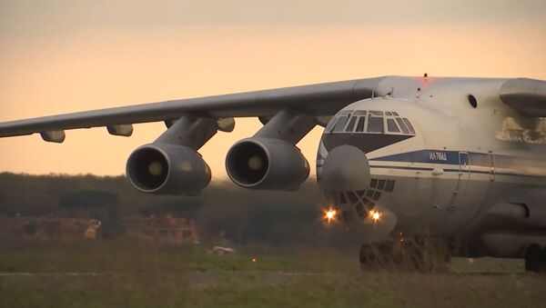 Un avión militar ruso Il-76  - Sputnik Mundo