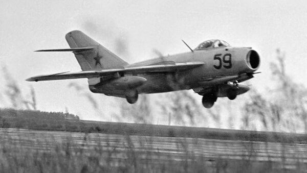 Un caza MiG-17 - Sputnik Mundo