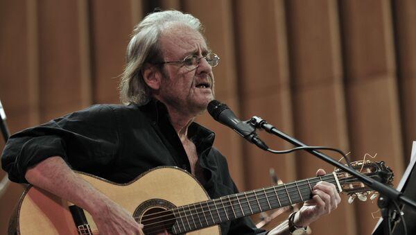 Luis Eduardo, cantautor español - Sputnik Mundo