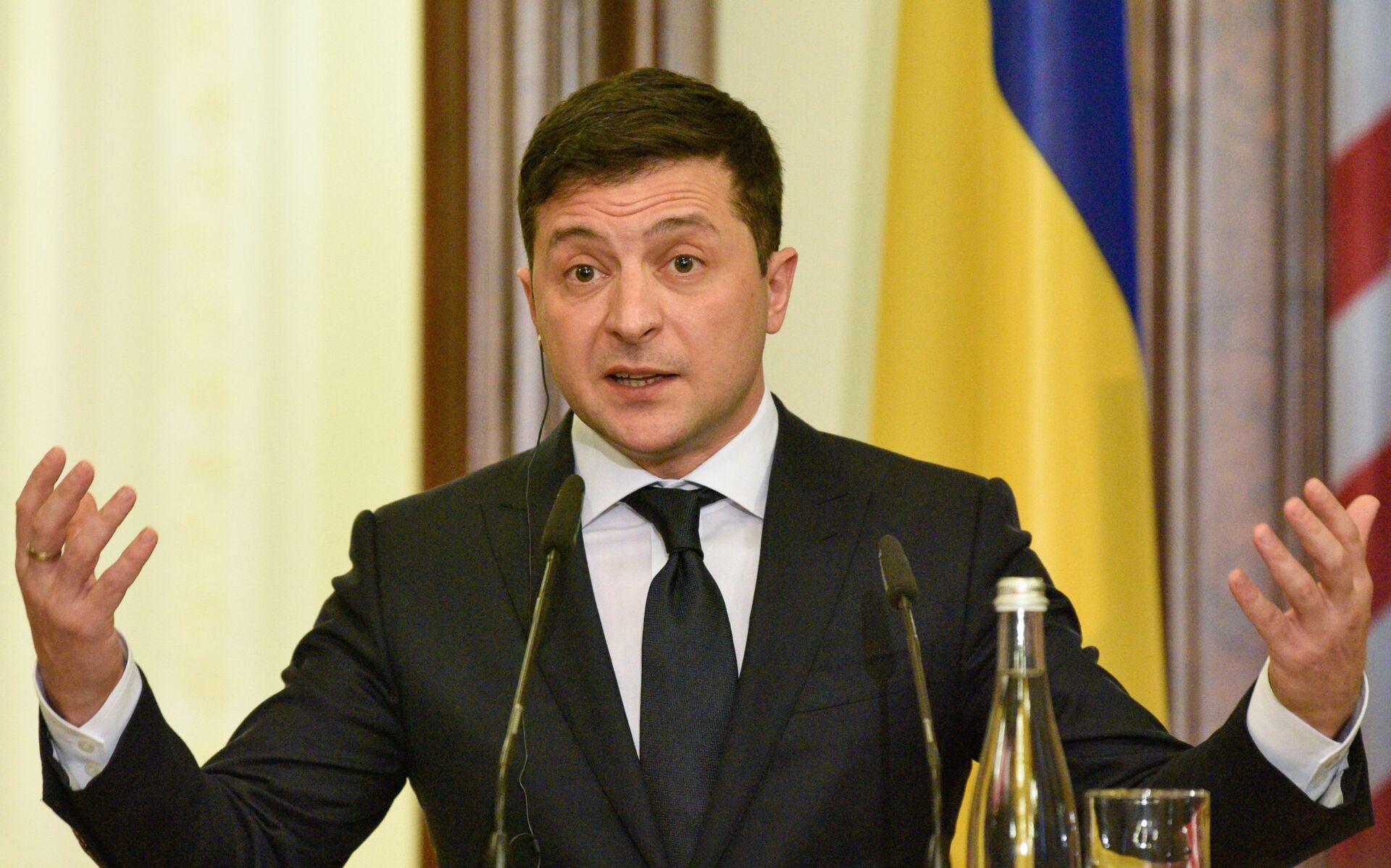 Volodímir Zelenski, presidente de Ucrania - Sputnik Mundo, 1920, 23.08.2021