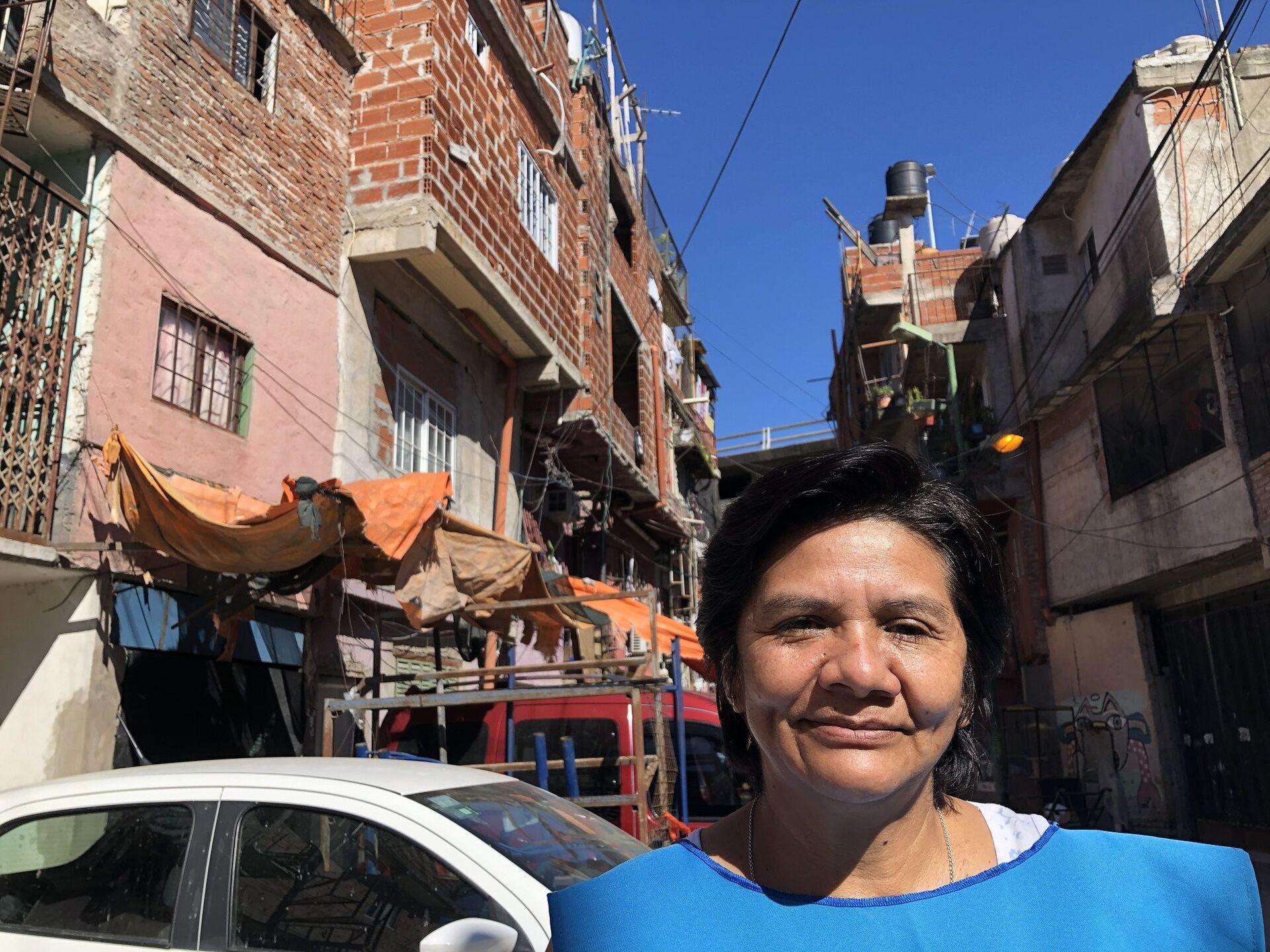 Miriam Suárez, coordina un comedor popular en su casa en el barrio, donde vive hace 15 años - Sputnik Mundo, 1920, 07.10.2021